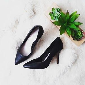 Vince Camuto   Kain Heels in Black